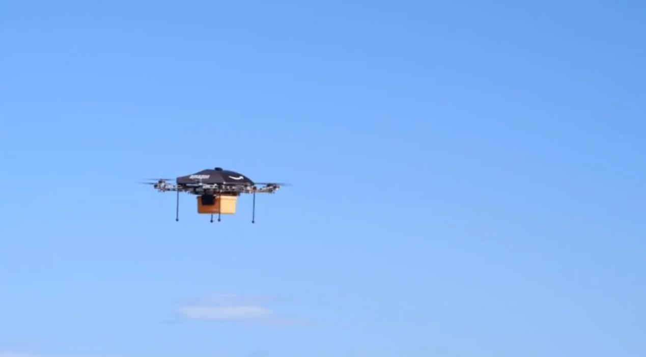 amazon lance ses premiers drones de livraison yzgeneration. Black Bedroom Furniture Sets. Home Design Ideas