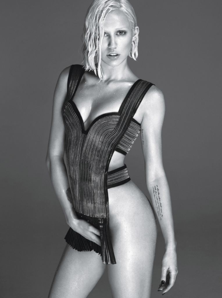 Miley Cyrus-W-Magazine-1