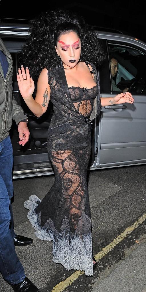 Lady-Gaga-Halloween-1