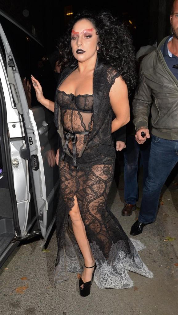 Lady-Gaga-Halloween-3