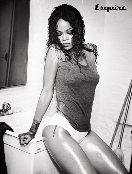 Rihanna-Instagram-Nue-1