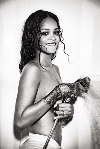 Rihanna-Instagram-Nue-4
