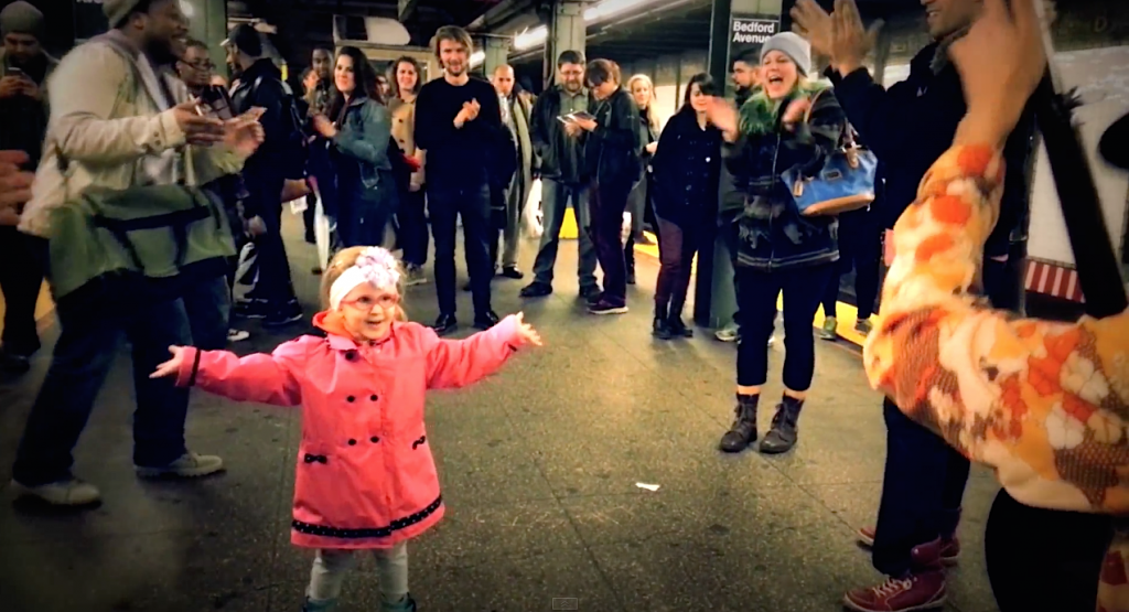 Me-&-My-Uncle-Danse-Fille-Metro-New-York-2