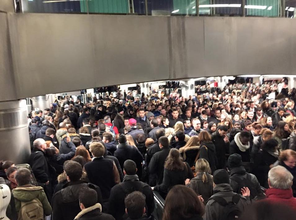 RER-A-RER-D-Paris-Greves-Incident-4