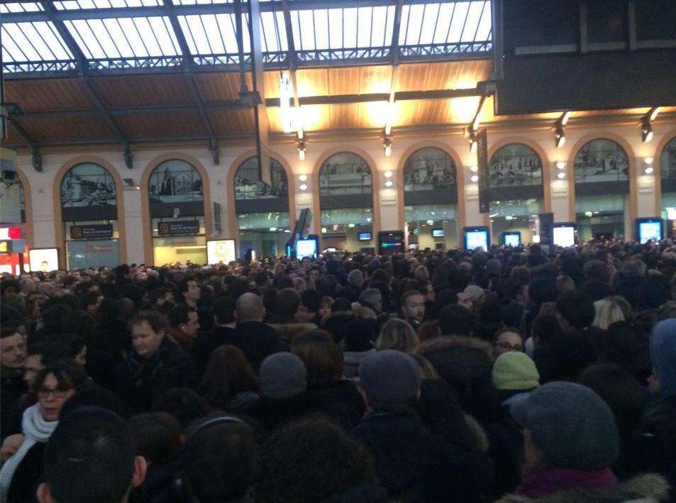 RER-A-RER-D-Paris-Greves-Incident-7