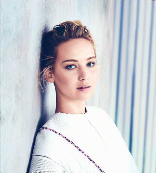 Jennifer-Lawrence-Dior-1