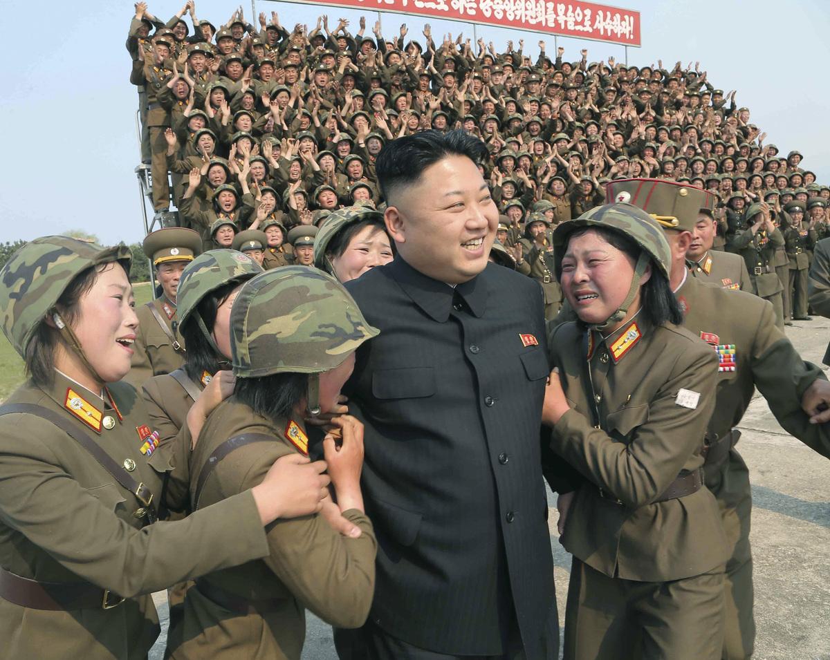 Kim-Jong-Un-Femmes-Pleurs-1