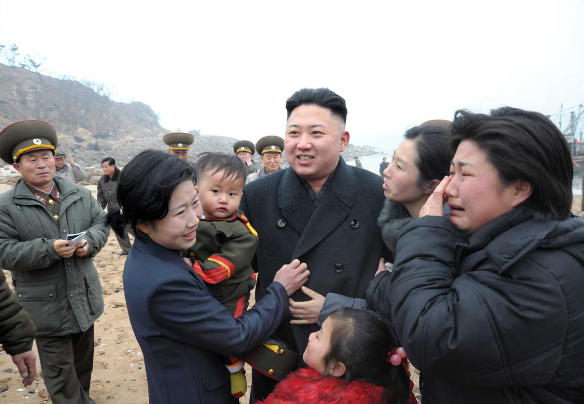 Kim-Jong-Un-Femmes-Pleurs-10