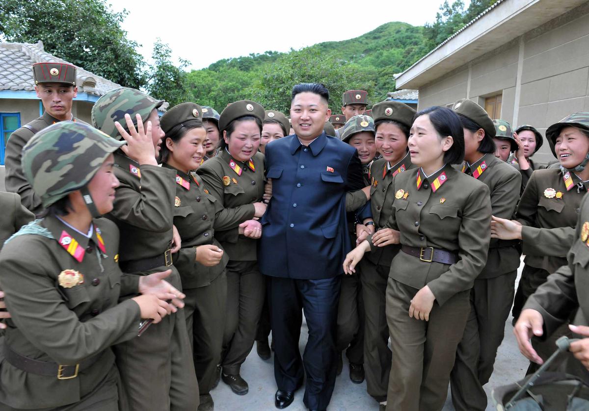 Kim-Jong-Un-Femmes-Pleurs-11