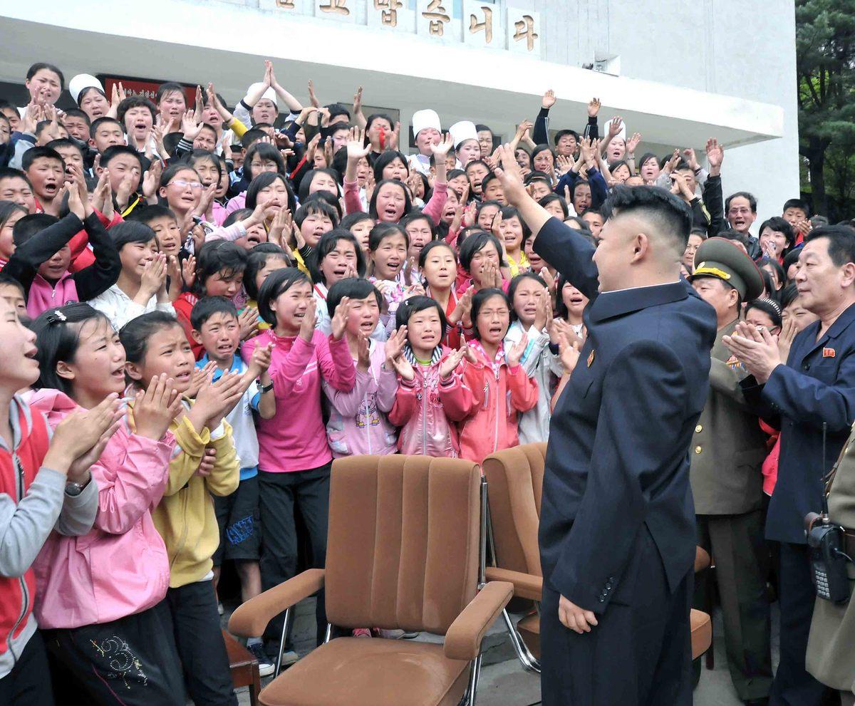 Kim-Jong-Un-Femmes-Pleurs-12