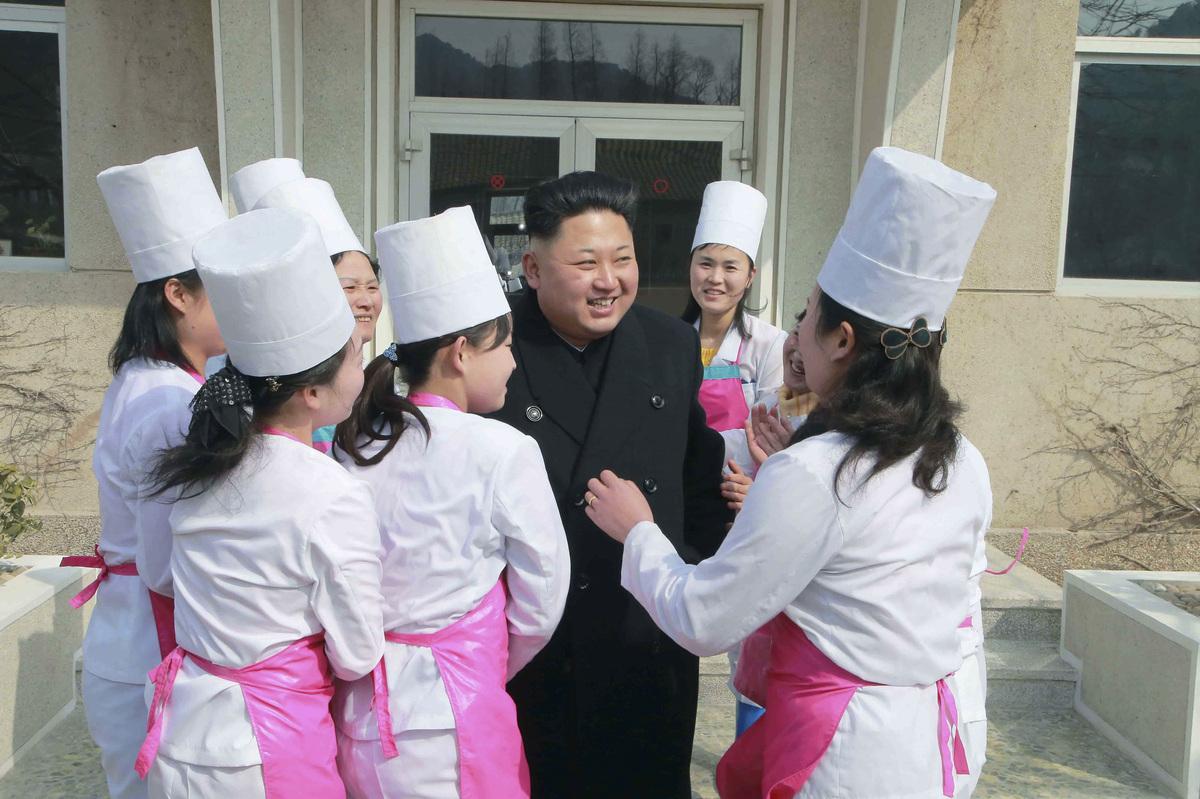 Kim-Jong-Un-Femmes-Pleurs-2
