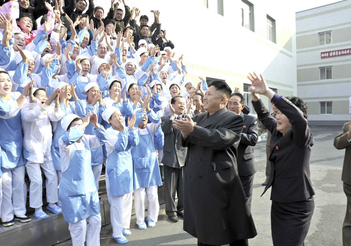 Kim-Jong-Un-Femmes-Pleurs-4
