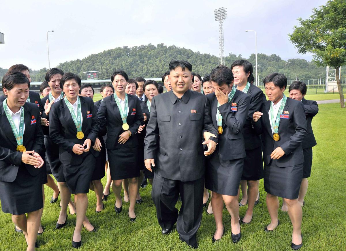 Kim-Jong-Un-Femmes-Pleurs-7