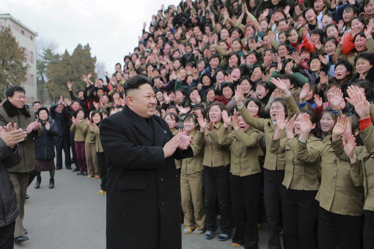 Kim-Jong-Un-Femmes-Pleurs-8