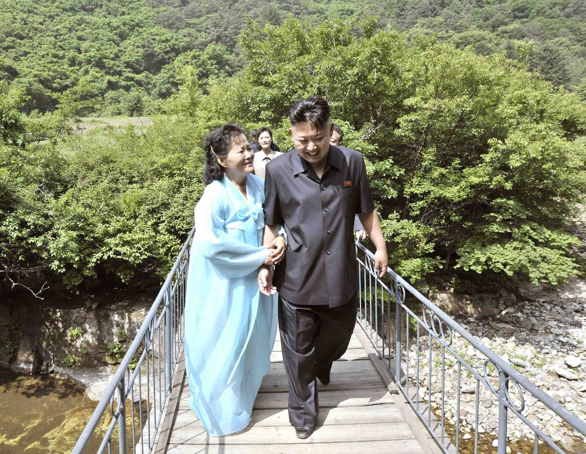 Kim-Jong-Un-Femmes-Pleurs-9