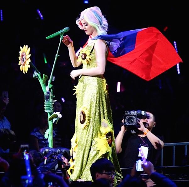 Katy-Perry-Taiwan-1-Bis