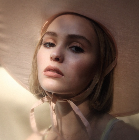 Lily-Rose-Paradis-Depp-2