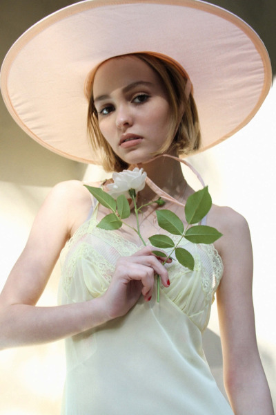 Lily-Rose-Paradis-Depp-7