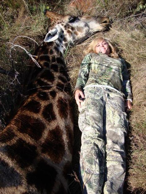 Rebecca-Francis-Meurtre-Girafe
