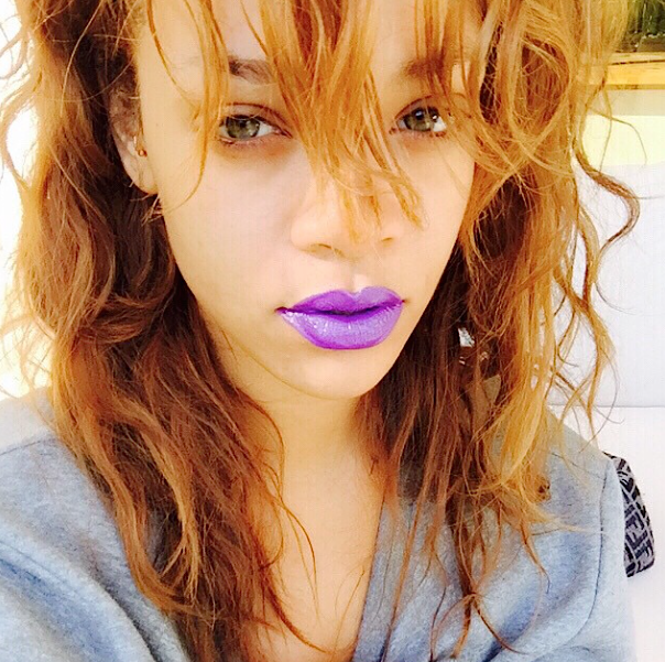 Rihanna-Rousse-1