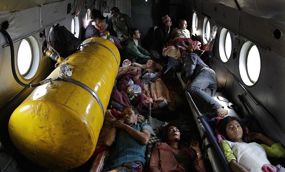 Seisme-Nepal-Victimes-2