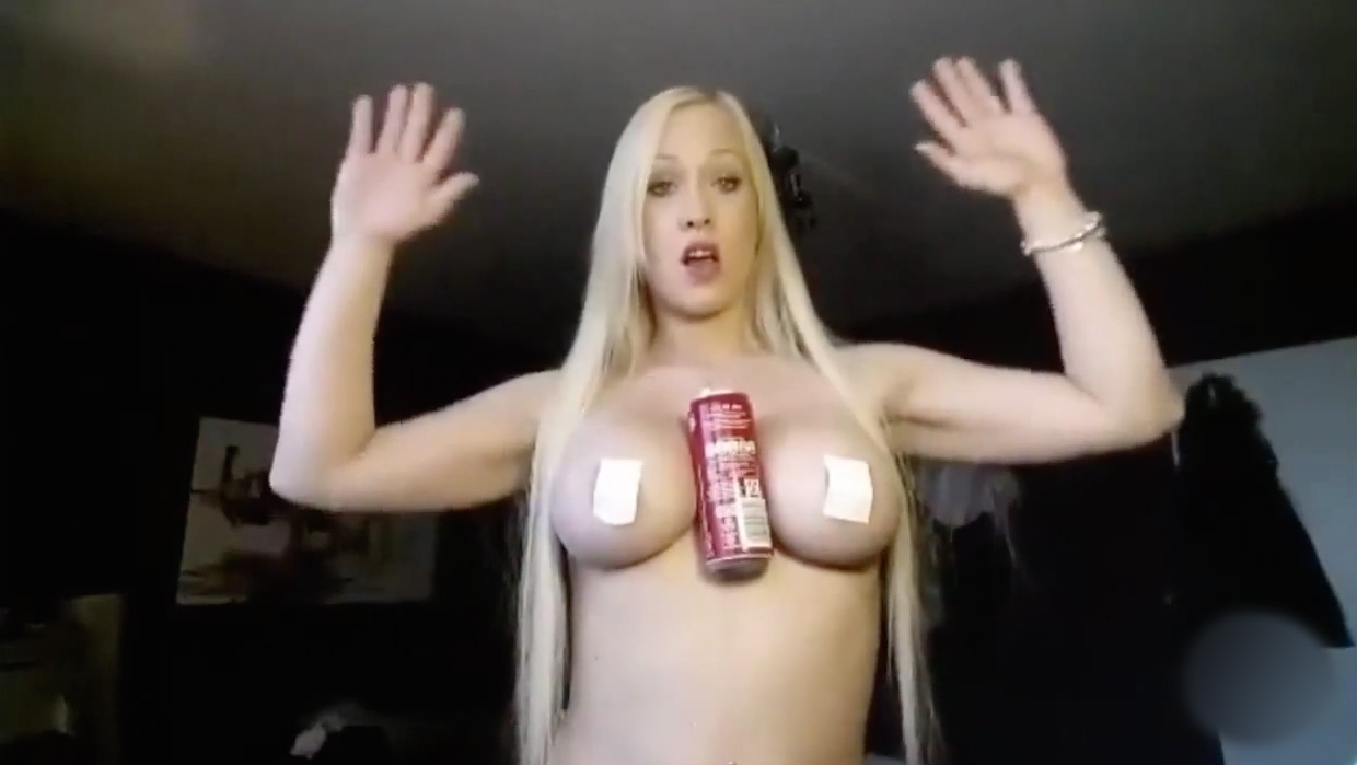 Hold-Coke-Boobs-Challenge-5