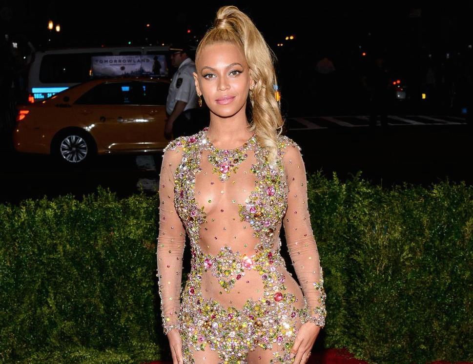 Met-Gala-2015-Beyonce-3