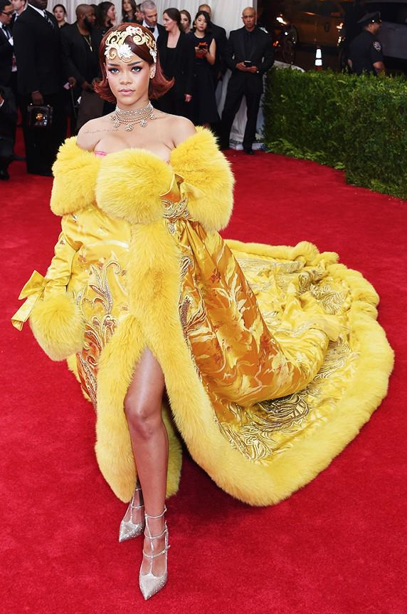Met-Gala-2015-Rihanna-2