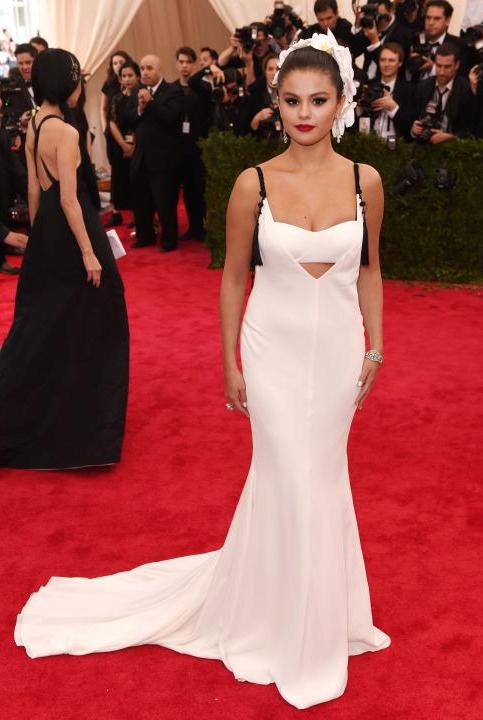 Met-Gala-2015-Selena-Gomez-1