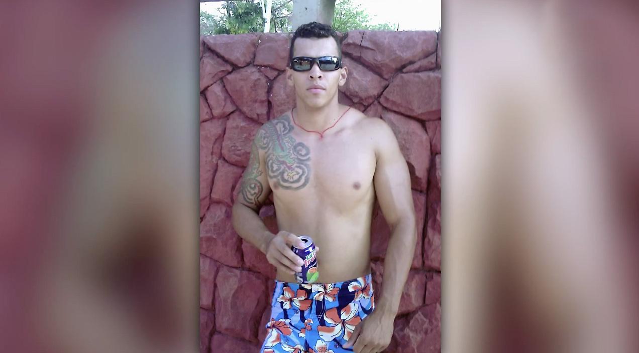 Romario-Santos-Bodybuilder-Injections-2