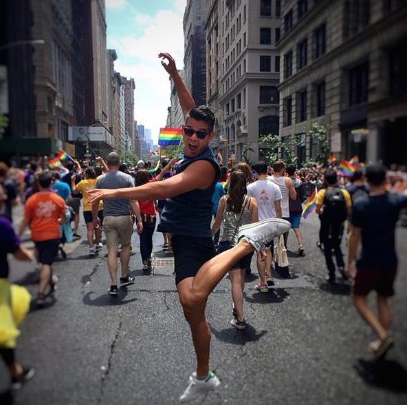Danse-Gay-Pride-New-York-Policier-1
