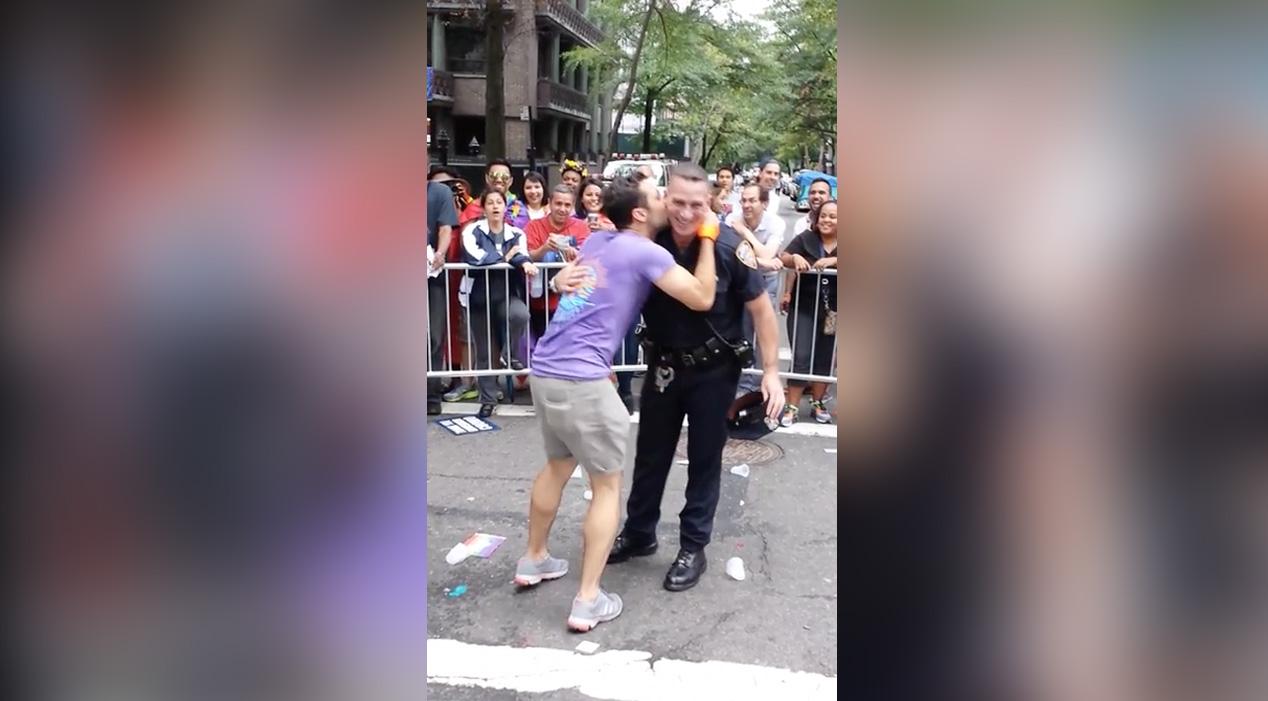 Danse-Gay-Pride-New-York-Policier-2