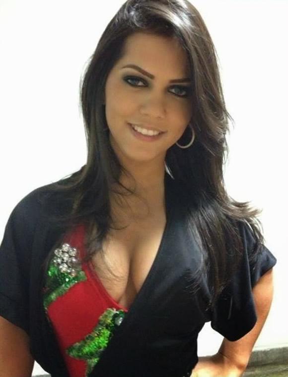 Karina-Lemos-Naine-Sexy-1