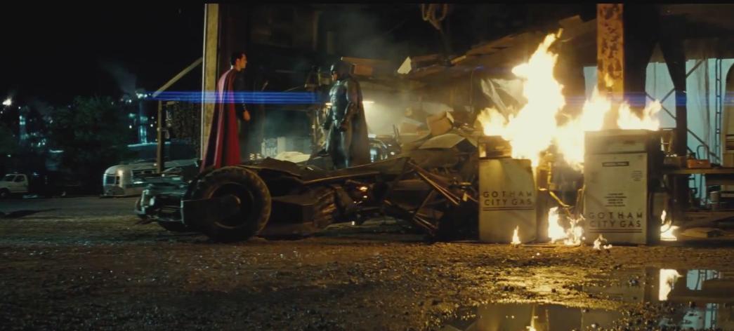 Batman-v-Superman-Trailer-2-2