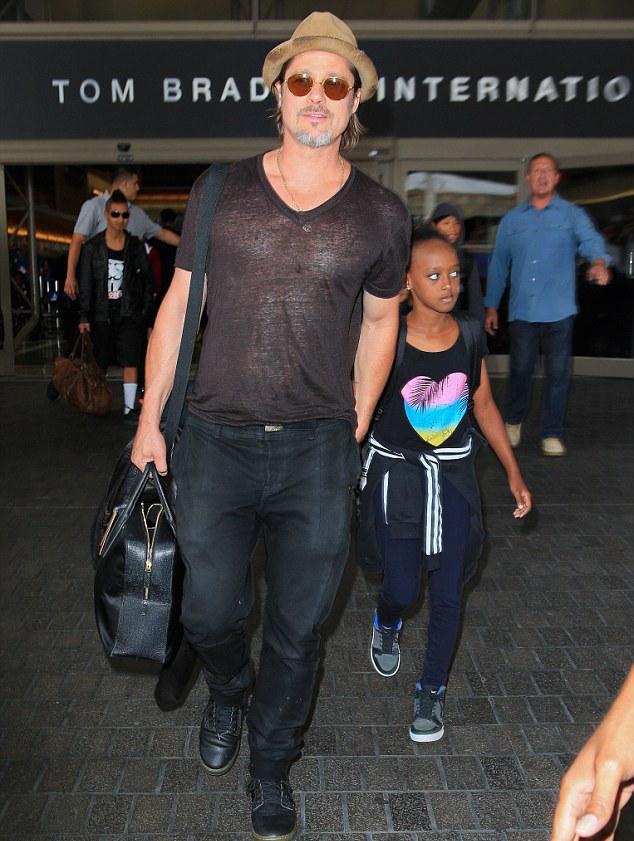 Brad-Pitt-Angelina-Jolie-Subway-6