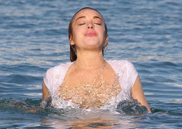 Lindsay-Lohan-Lingerie-Mykonos-1