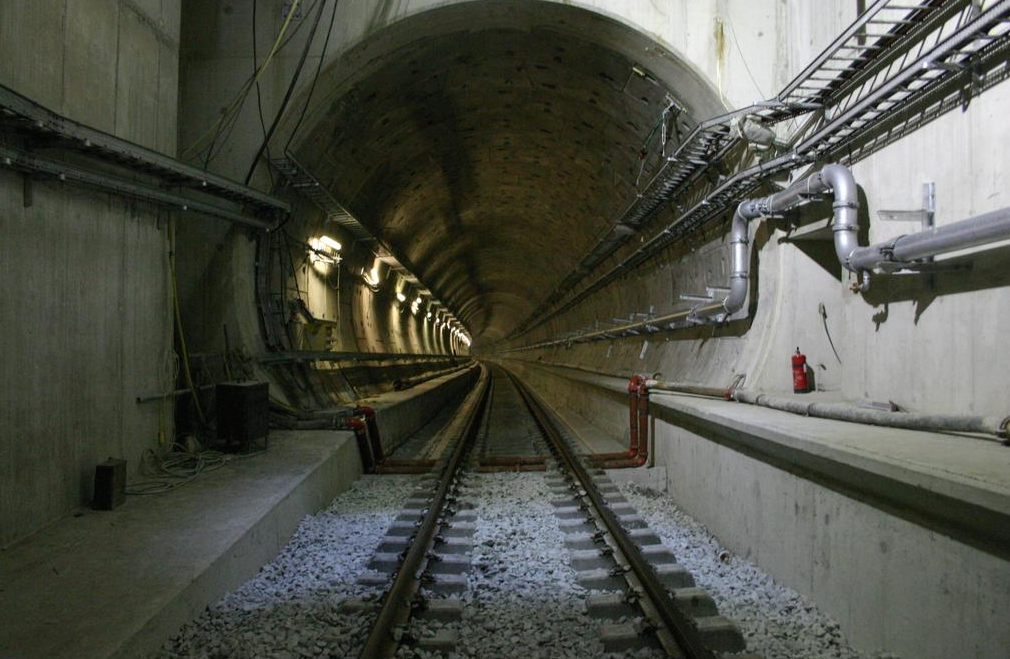 Migrants-Calais-Eurotunnel-2