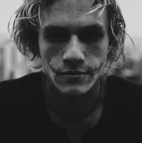 Heath-Ledger-Joker-2