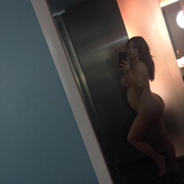 Kim-Kardashian-Enceinte-Nue-1