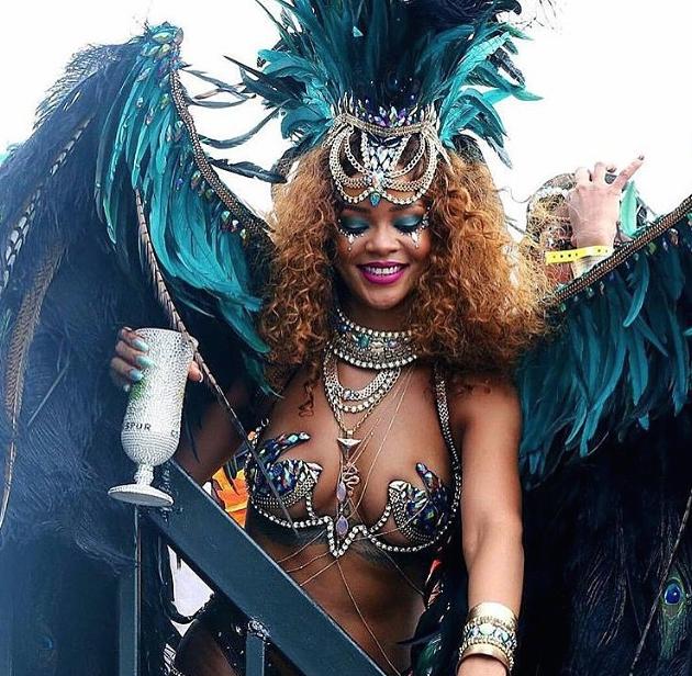 Rihanna-Barbade-4