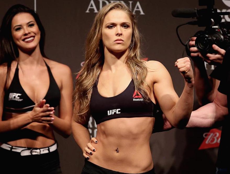 Ronda-Rousey-VS-Bethe-Correia-7