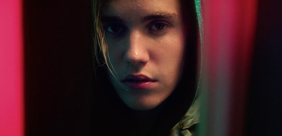 What-Do-You-Mean-Justin-Bieber-MV-10