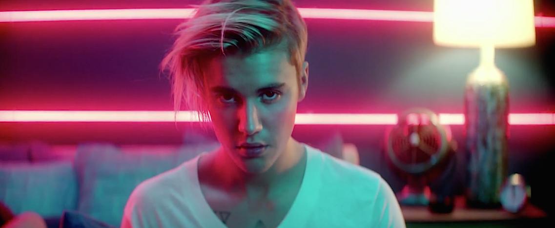 What-Do-You-Mean-Justin-Bieber-MV-11