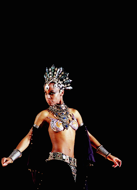 Aaliyah-7