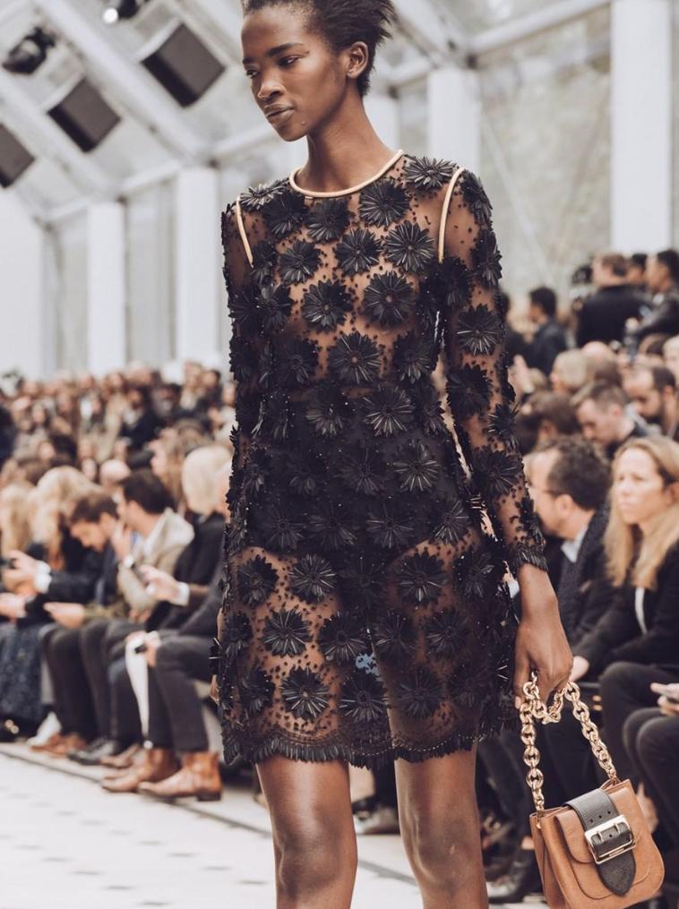 Defile-Burberry-Fashion-Week-London-2015-2
