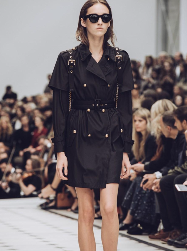 Defile-Burberry-Fashion-Week-London-2015-6