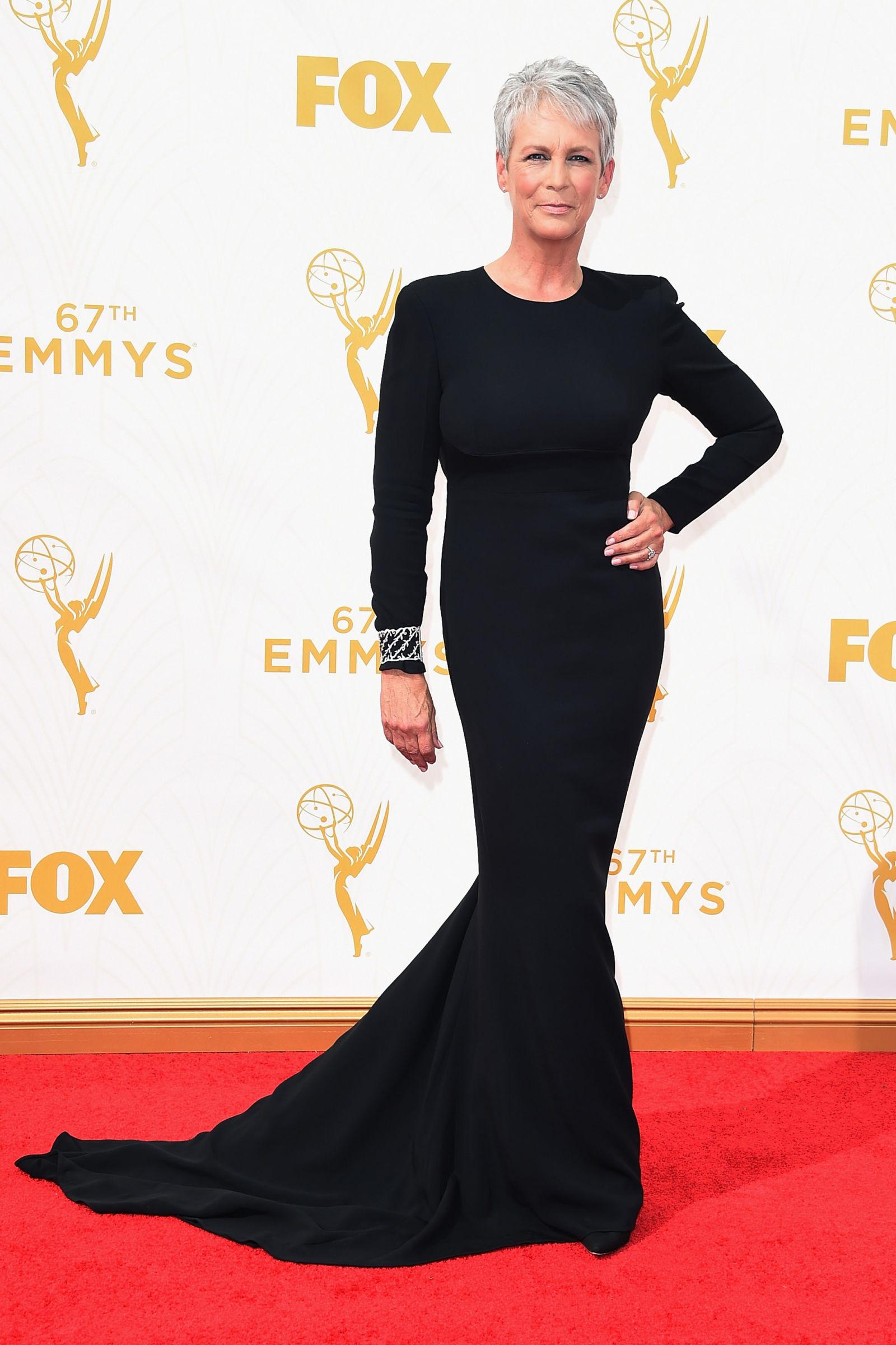 Emmys-2015-Jaimie-Lee-cURTIS