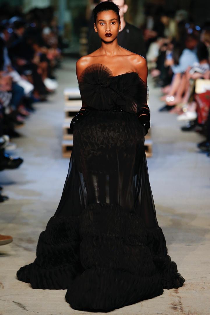 Givenchy-NYC-Memorial-2015-10