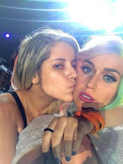 Katy-Perry-Fan-Bresil-Meth-1