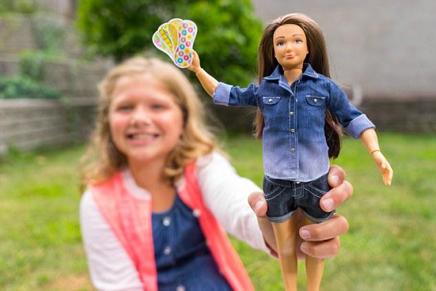 Lammily-Barbie-Regles-1